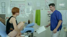7. Ксения Суркова на осмотре у гинеколога – Кризис нежного возраста