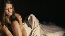 3. Горячая красотка Любовь Аксенова в белом белье – Шиповник