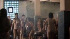 Русские женщины в общественной бане