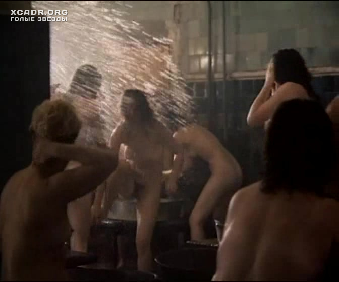 Смотреть кино вся семья моется в бане
