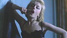 2. Сексуальная Елена Рудь в черном белье – Колесо любви