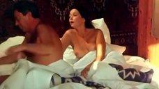 3. Голая грудь Ольги Кабо – Любовь немолодого человека