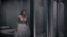 5. Бюст Брайс Даллас Ховард – Черное зеркало