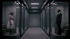 7. Бюст Брайс Даллас Ховард – Черное зеркало