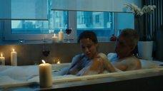 Евгения Морозова засветила голую грудь в ванне