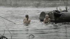 4. Светлана Бухтоярова и Алина Шмелева купаются топлесс – Преступление и погода