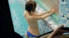 33. Эротичная Любовь Аксенова в купальнике для журнала Maxim