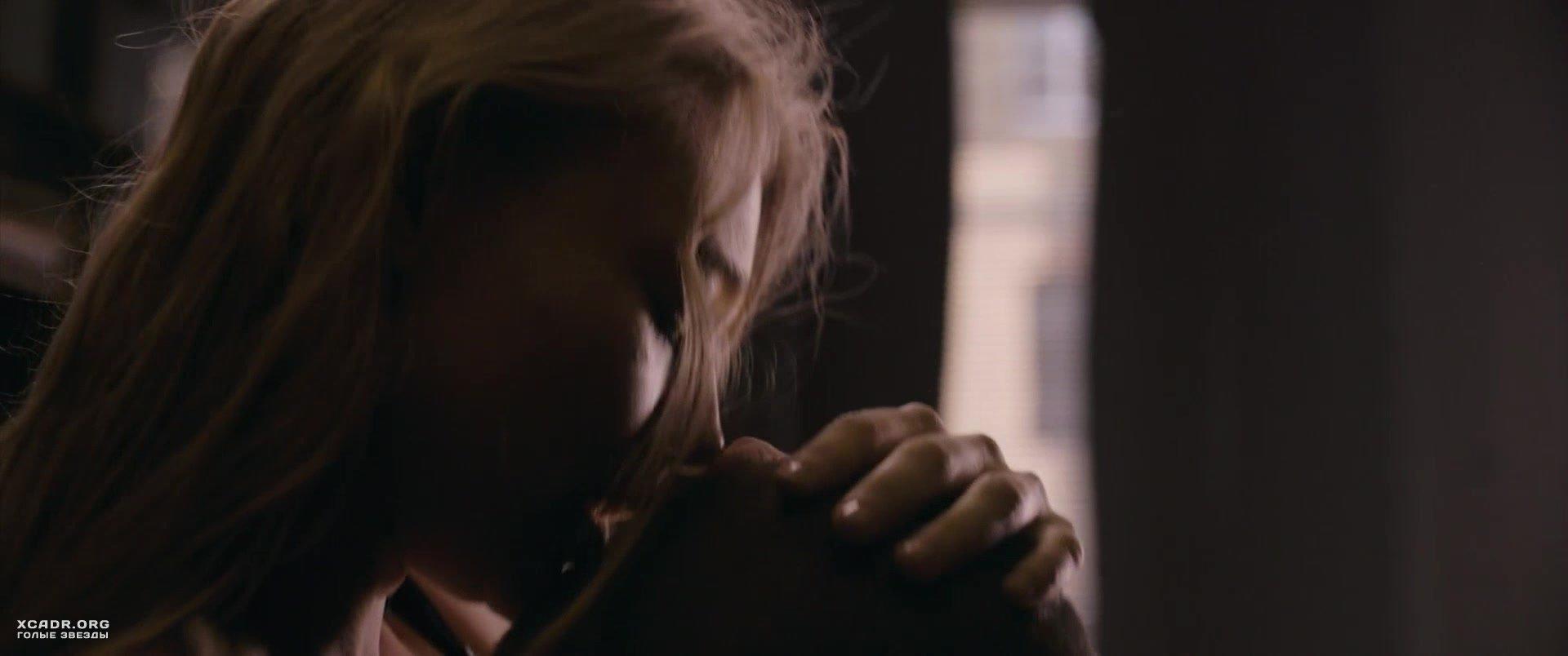 Откровенная Сцена С Оксаной Акиньшиной – Молот (2020)