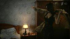 1. Екатерина Климова в нижнем белье – Шакал