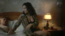 6. Екатерина Климова в нижнем белье – Шакал