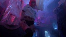 2. Диана Пожарская танцует тверк – Отель Элеон
