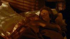 Постельная сцена с Голди Хоун