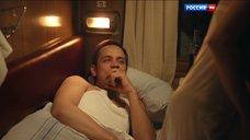 11. Постельная сцена с Ольгой Дыховичной в плацкарте – Деньги