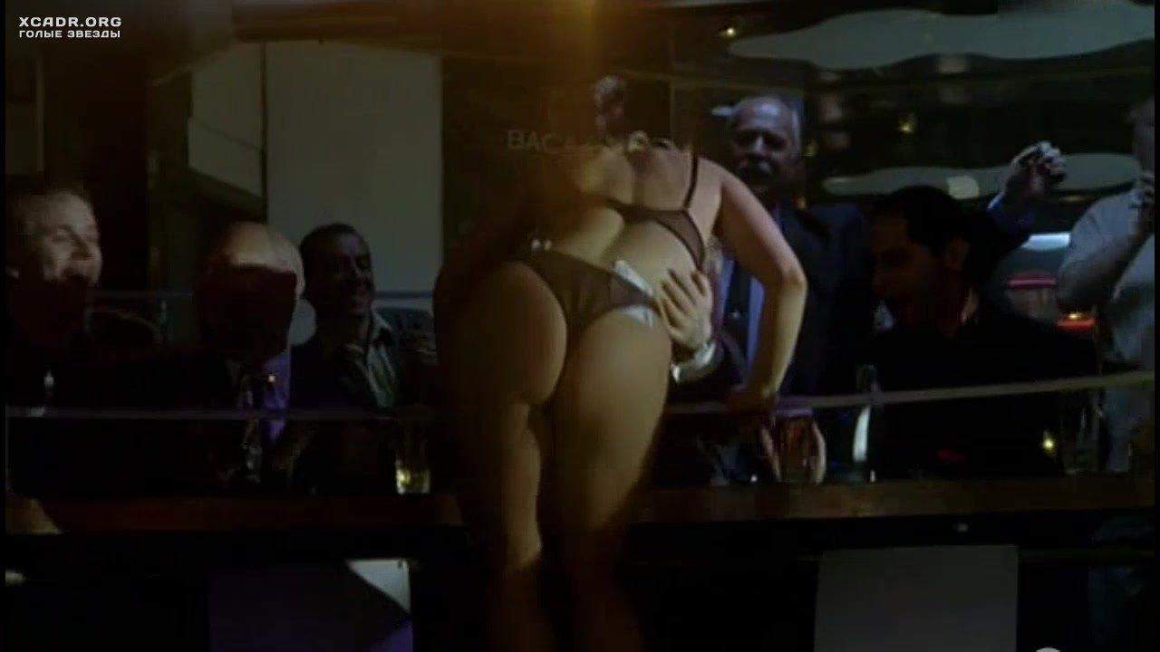eroticheskoe-video-s-evgeniya-hirivskaya-porno-futfetish-nyuhayut-nogi-za-dengi