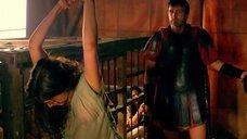 8. Мокрую Ану де Армас хлестают по спине – Римская Испания, легенда
