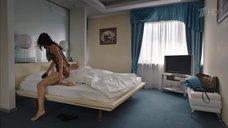 2. Откровенная сцена с Евгенией Брик – Долгий путь домой
