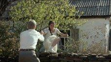 Соски Анастасии Мытражик просвечиваются сквозь платье