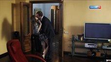 4. Сексуальная Алина Ланина в халате – Поздние цветы