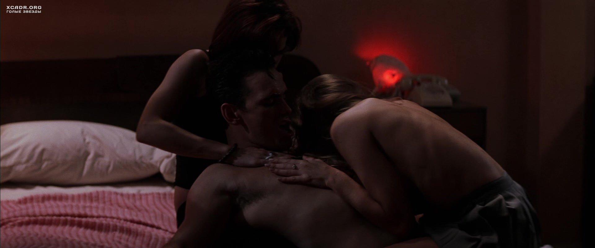 denis-richards-threesome-sex-scene-dirty
