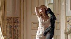 2. Виктория Исакова в пижаме – Мата Хари