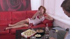Пьяная Елена Бирюкова хочет секса