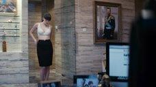 2. Голая грудь Юлии Снигирь – Про Любовь (2015)