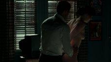 8. Эротическая сцена с Дакотой Джонсон – На пятьдесят оттенков темнее