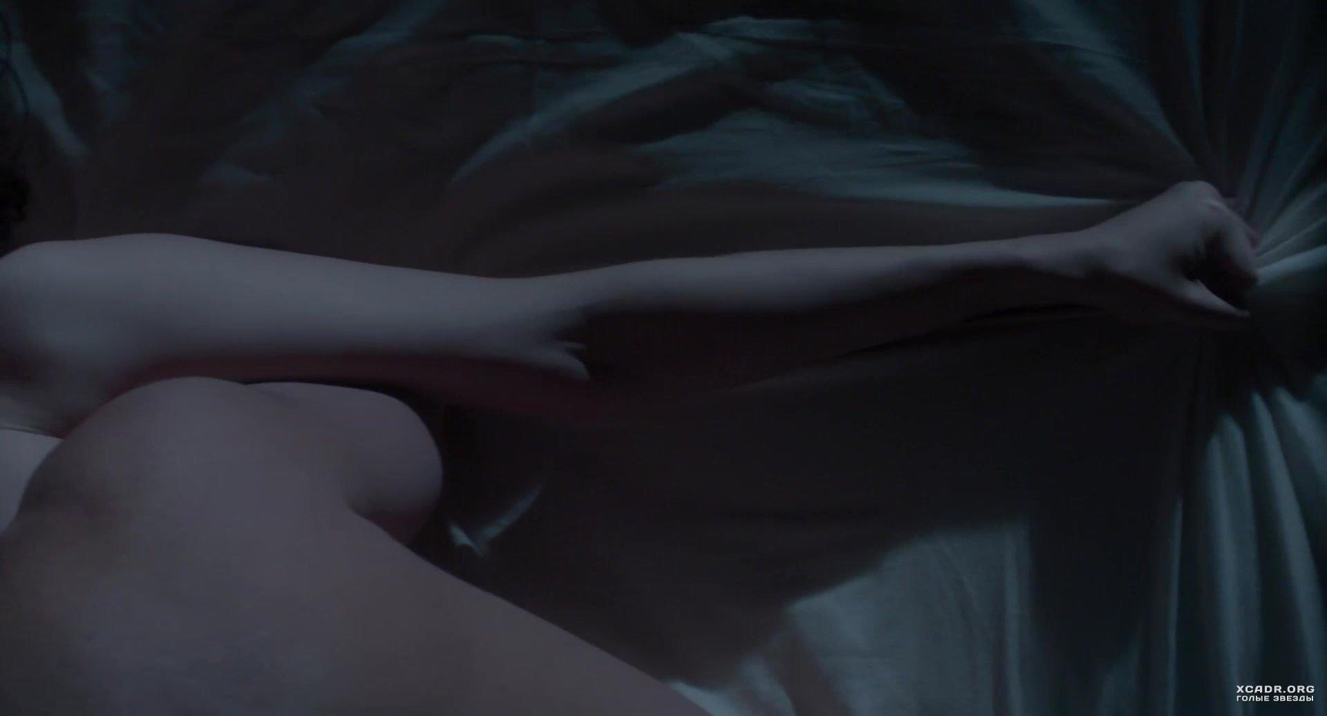 postelnie-stseni-znamenitih-video-video-nasha-eblya-v-otpuske