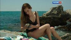 Марина Петренко в черном купальнике