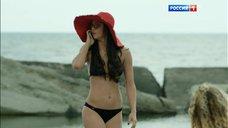 Секси Настасья Самбурская в купальнике