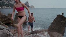 Марина Васильева и Александра Бортич в купальниках