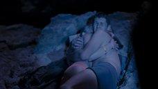 1. Александра Бортич в трусиках на пляже – Как меня зовут