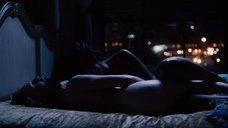 Секс сцена с Джеми Клейтон и Фримой Аджьеман