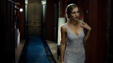 1. Сексуальная Анна Казючиц в вязаном платье – Юленька
