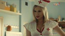 2. Сексуальная медсестра – Универ. Новая общага