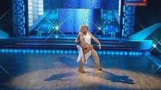 9. Танец с соблазнительной Аленой Свиридовой