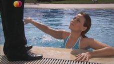 1. Анна Дубровская в купальнике – Спецкор отдела расследований