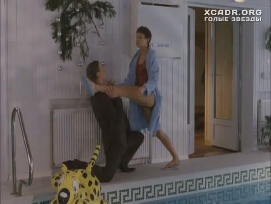 Секси Елена Полякова В Купальнике – Прощайте, Доктор Фрейд (2004)