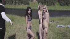 1. Сексуальные девушки в купальниках – Геймеры