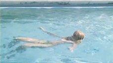 2. Екатерина Зинченко плавает в бассейне – Жених из Майами
