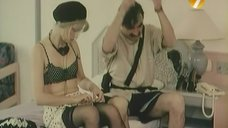Сексуальная Людмила Потапова в лифчике