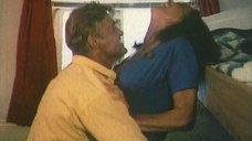 3. Сексуальная сцена с Любовью Полищук – Третий не лишний