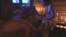 Эротические развлечения Любови Тихомировой и Артемьевой Ольги в бане