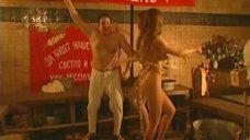 14. Эротическая сцена с Мариной Щербаковой и Изабеллой Романовой – Особенности банной политики, или Баня 2