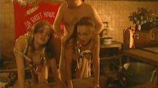 18. Эротическая сцена с Мариной Щербаковой и Изабеллой Романовой – Особенности банной политики, или Баня 2