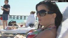 Диана Гурцкая в купальнике