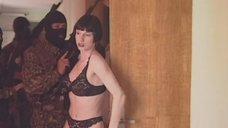 1. Испуганные проститутки при облаве – Агент национальной безопасности