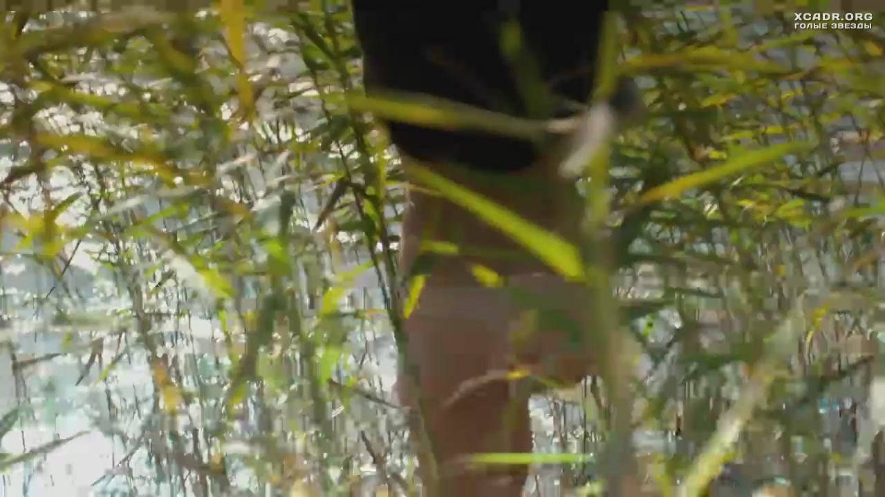 Голая Грудь Натальи Дворецкой – След Пираньи (2014)