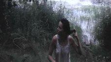 Мокрая грудь Любови Зайцевой
