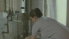 2. Елена Цыплакова принимает холодный душ – Счастливая, Женька!